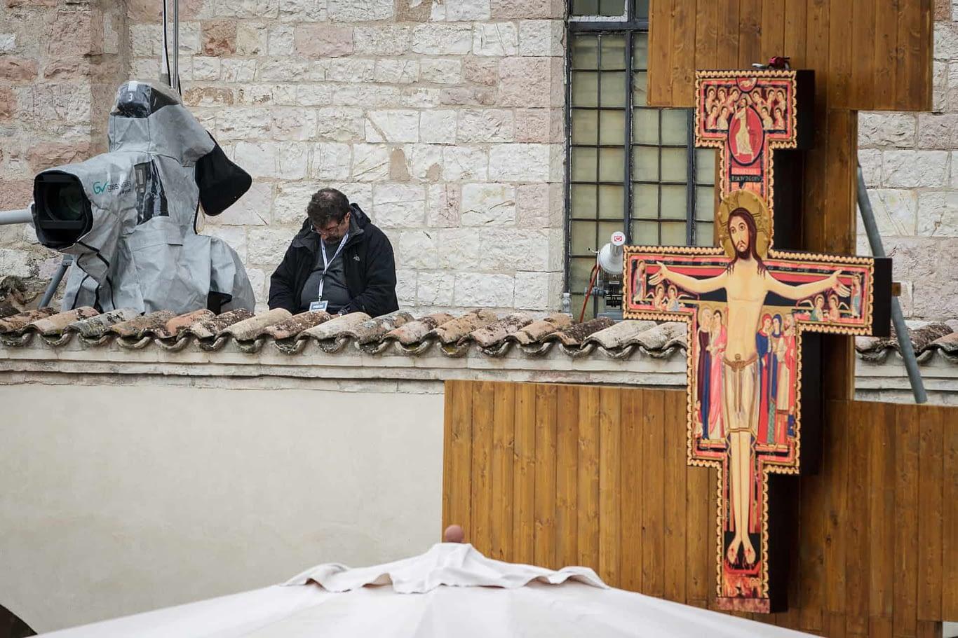 Assisi 4 ottobre 2013 - Visità di sua santità Papa Francesco ad Assissi, città di San Francesco patrono d'Italia.  I momenti e i volti delle persone che hanno preso parte alla visita.